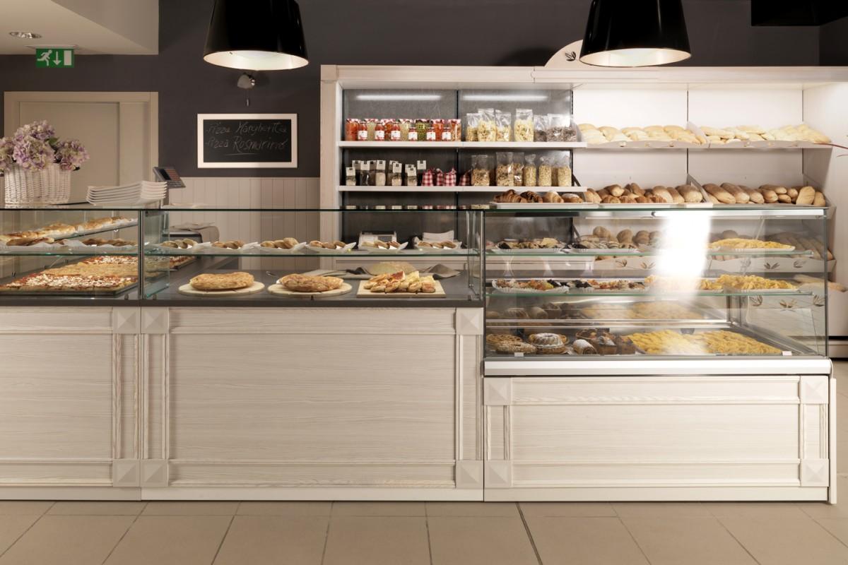 Progettazione arredamenti per ristoranti bar pasticcerie for Arredamento pasticceria prezzi